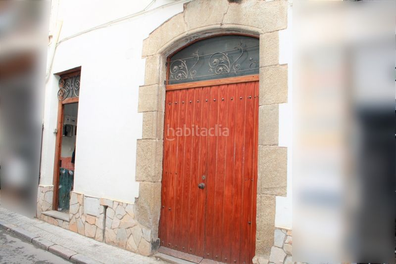 Fachada. House with fireplace heating parking in Canet de Mar