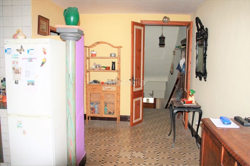 Pasillo. House with fireplace heating parking in Canet de Mar