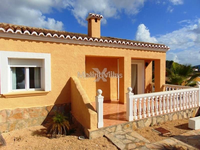 Haus in Alcalalí. Semi detached bungalow for sale in alcalali