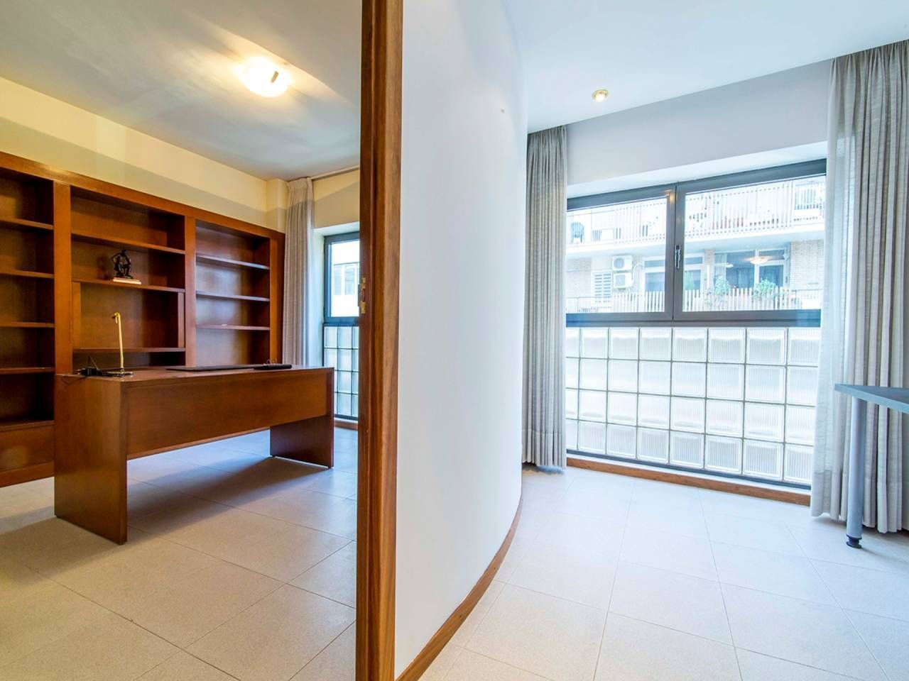 Rent Office space  Madrazo
