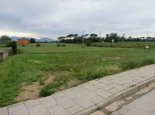 Urban plot  Carrer esglesia. Terreno urbanizable en campllong