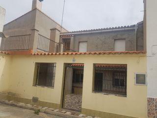 Casa  Plaza del horno 3 los cojos 46354. Casa de pueblo en los cojos !!