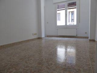 Alquiler Apartamento  Carrer sant hermenegild. Al lado de pl.molina