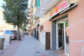 Affitto Locale commerciale in Avinguda llibertat, 47. Bien localizado