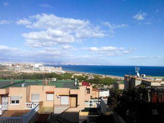 Duplex en Panorama-Sierramar. Gran oportunidad de inversion!!!