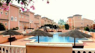 Maison jumelée en Puerto Marino. Casa adosada con 2 habitaciones, piscina comunitaria, calefacció