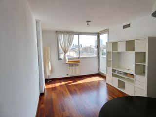 Appartement  A 8´ de fgc y renfe norte. Impecable
