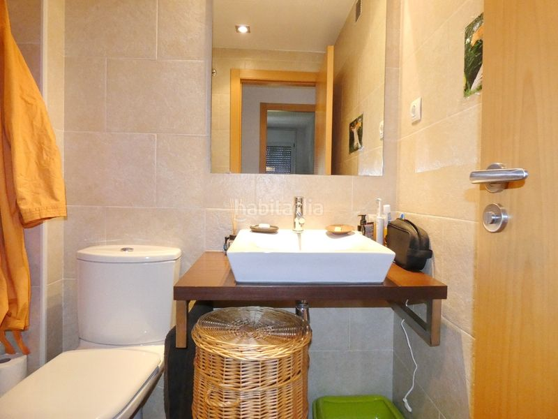 Baño. Flat with heating parking in Centre Terrassa