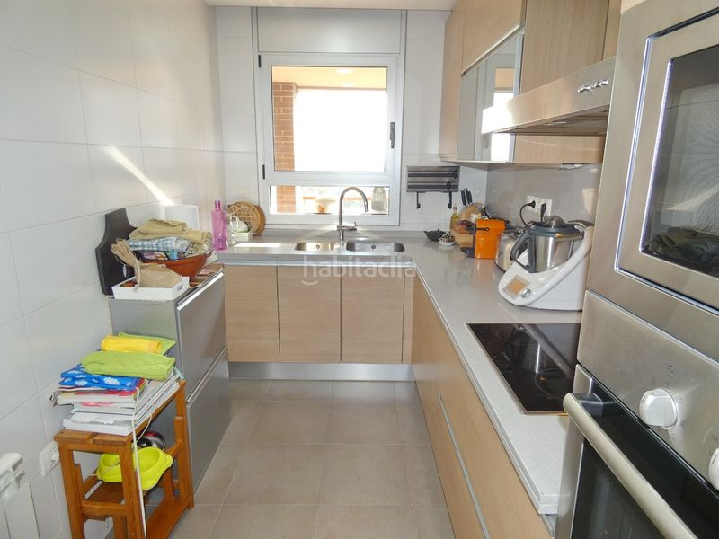 Cocina. Flat with heating parking in Centre Terrassa