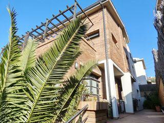 Towny house  Cerca del ayuntamiento, centros comerciales, etc.. Magnífica