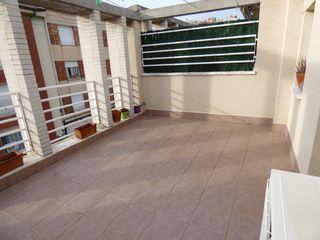 Casa adosada  Junto c/ ample. Con patio y garaje