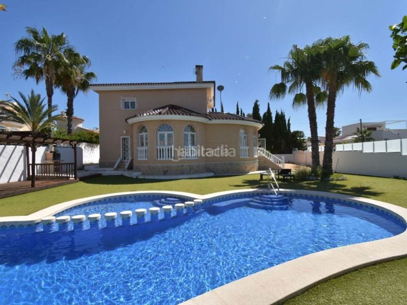 Pool 1. Chalet in Rojales