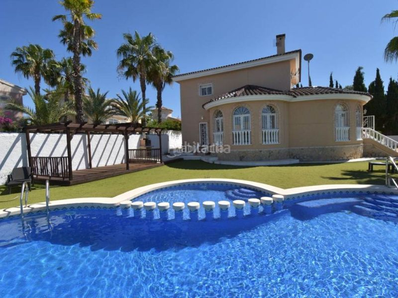Pool. Chalet in Rojales
