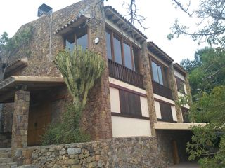 Chalet in Borriol. Chalet con 4 habitaciones con parking, piscina y vistas a la mon