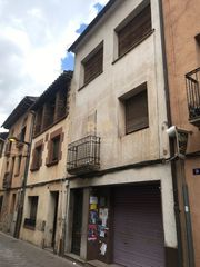 Casa en Carrer major, 7. 2 pisos, almacen y local