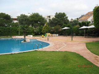 Rent Semi detached house in Rocafort. Adosado en villas de rocafort