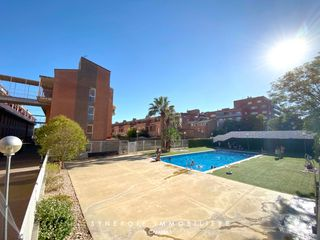 Triplex in Carrer de maria cortina i pascual, 8. Con parking y piscina
