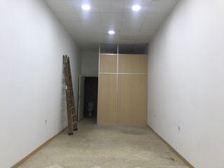 Rent Business premise in Calle san miguel quiles 3. Local comercial