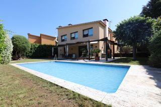 Chalet  Caldes d´estrac. Casa a 4 vientos con piscina