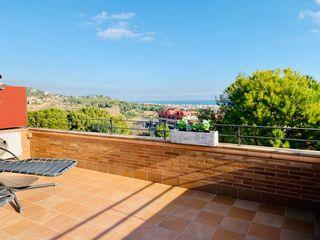 Casa  Centro. Casa con vistas al mar y piscina