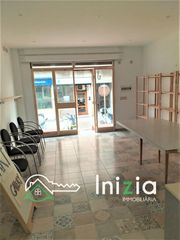 Local Comercial en Carrer cami de les cabres, 30. Local comercial con licencia