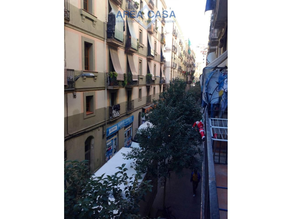 Rent Apartment  En el raval, barcelona. Piso en alquiler en el raval