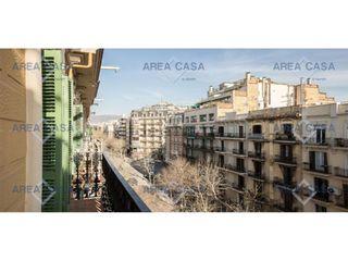 Affitto Piccolo appartamento  En l´antiga esquerra de l´eixample, ascensor, amueblado, barcelo. Piso moderno de 110m², 3 habitaciones amplias, 2 baños, amueblad