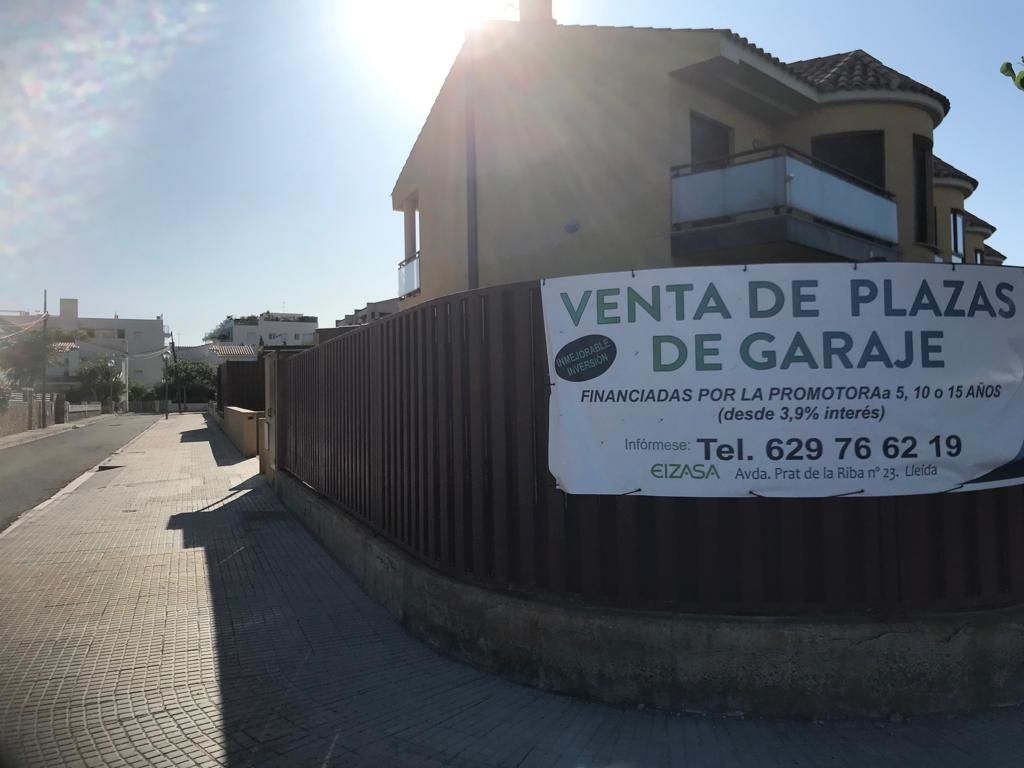 Car parking in Carrer Llastres, 28