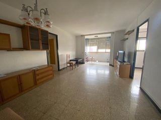 Apartamento en Avinguda carmen amaya, 24. Piso amplio + balcon + vistas