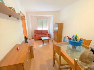 Apartamento  Carrer sant lluis. Tres habitaciones y sol