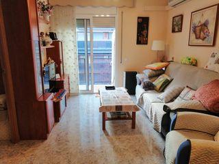 Apartamento  Carrer cavall bernat. Terraza + balcon