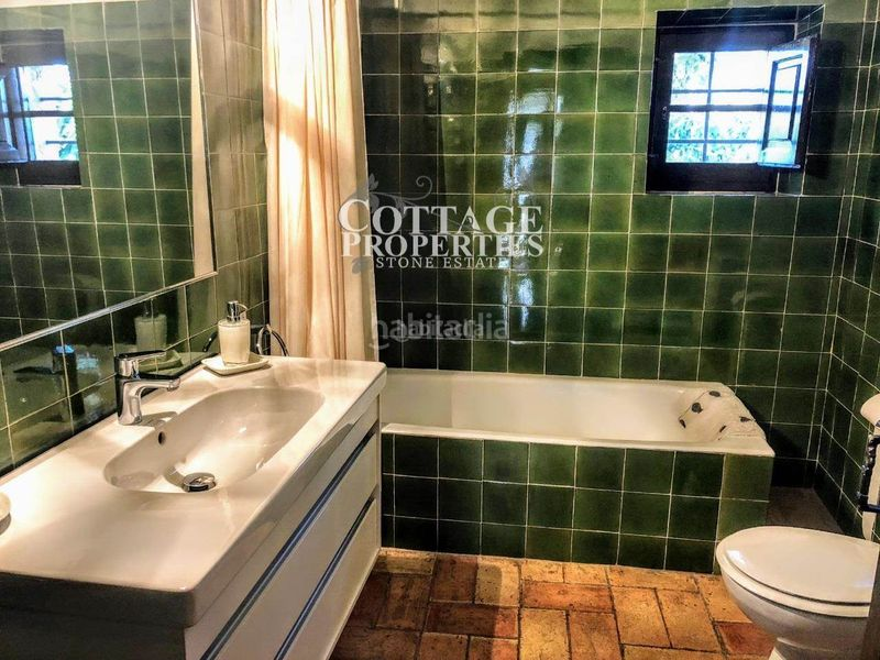 Baño. Country house with fireplace heating parking pool in Vilademuls