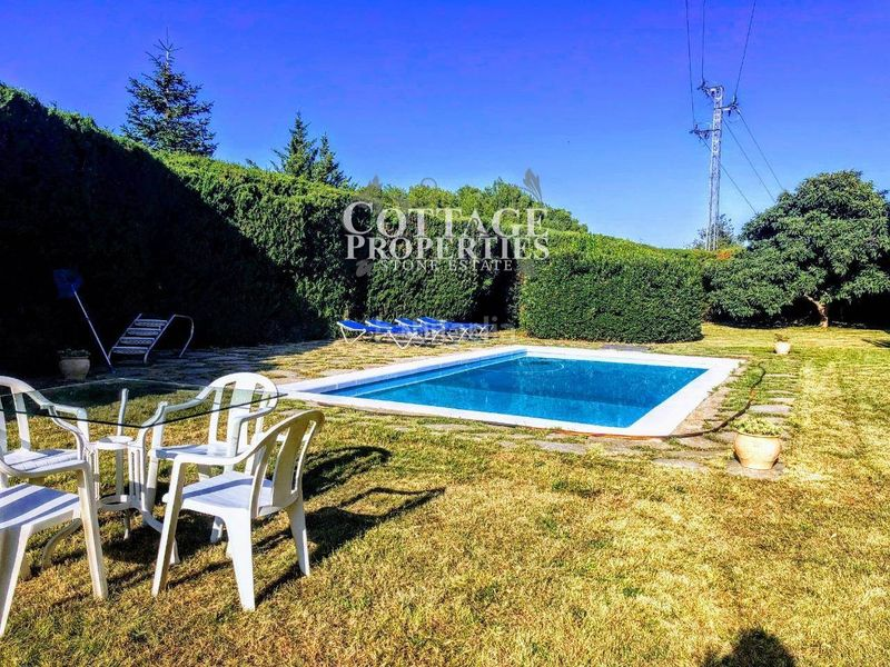 Piscina. Country house with fireplace heating parking pool in Vilademuls
