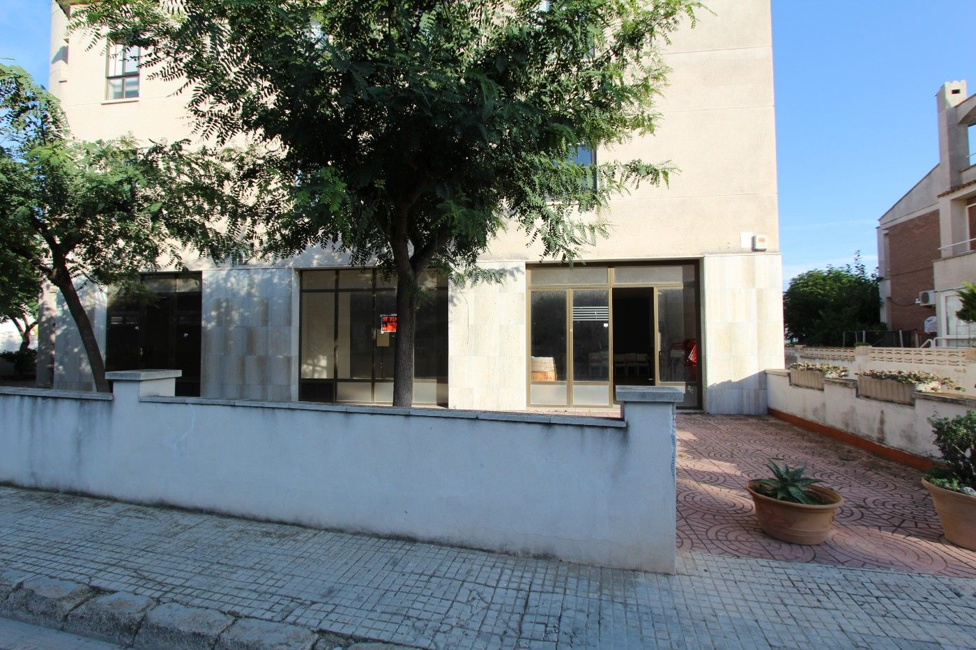 Business premise  Avinguda barcelona. Local comercial luminos venta