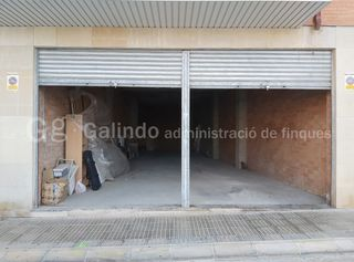 Affitto Locale commerciale in Carrer bellpuig, 11. Ampliable a 150m2 total