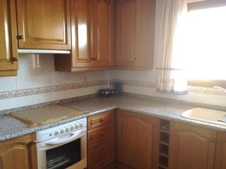 Rent Semi detached house in Oeste. Adosada alquiler/venta en castellón zona av alcora, 300 m., 20 m