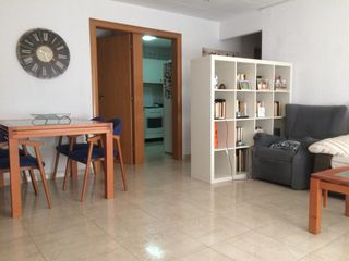 Appartamento in Pubilla Cases. Piso bonito ideal parejas en hos