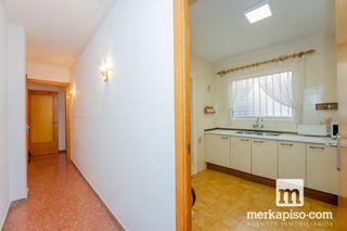 Piso  Ajuntament gavà. 4 dormitorios en centro