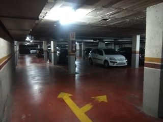 Car parking  Carrer rutlla (la). Ultimas plazas pk en centro !!!!