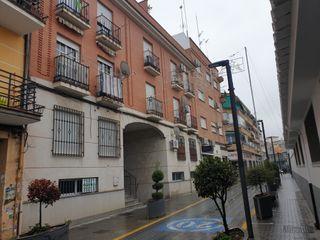 Piso en Calle miguel hernández. Piso amueblado con ascensor