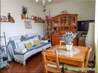 Casa en Carrer numancia, 26. Casa con parking y jardin