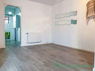 Alquiler Piso  Carrer nacio. 72 m² 2 hab. muy bien comunicado