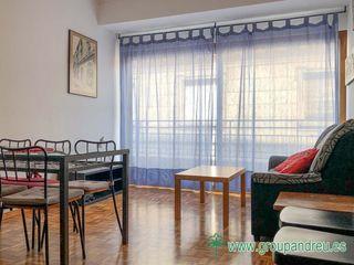 Miete Appartement  Carrer balmes. 91 m² amueblado apto compartir