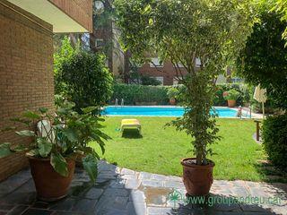 Alquiler Piso  Carrer jacinto benavente. Alto standing, parking, piscina