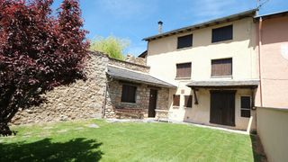 Semi detached house in Carrer sant climent, 10. Casa céntrica adosada