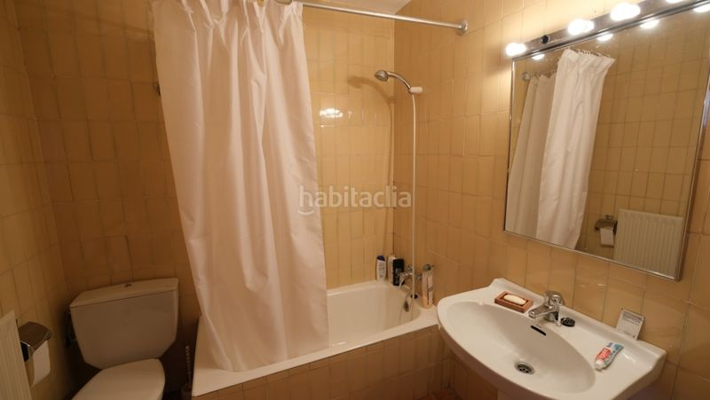 baño. Appartement in carrer sant climent in Urús