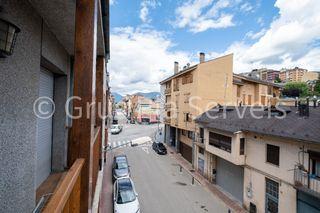 Piccolo appartamento in Avinguda catalunya, 49. Con 2 habitaciones y 2 baños