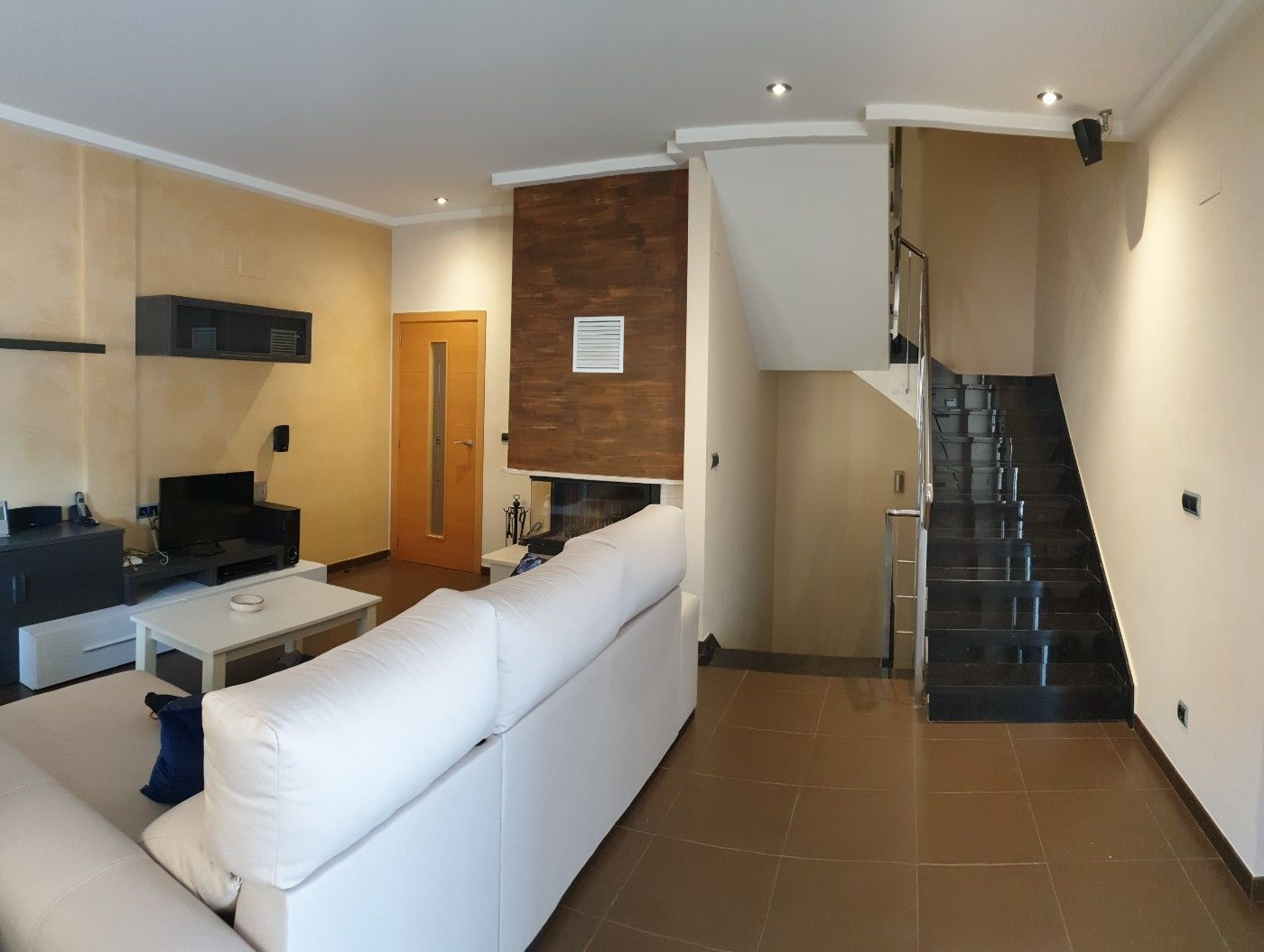 Semi detached house in Calle xeraco, 25. Adosado alto standing con vistas