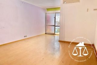 Appartement Carrer Mallorca. Appartement à vente à barcelona, camp de l´arpa par 240000 eur.