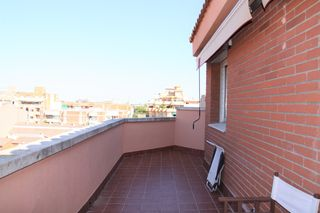 Duplex  Castell-poble vell. Spacious penthouse with terrace